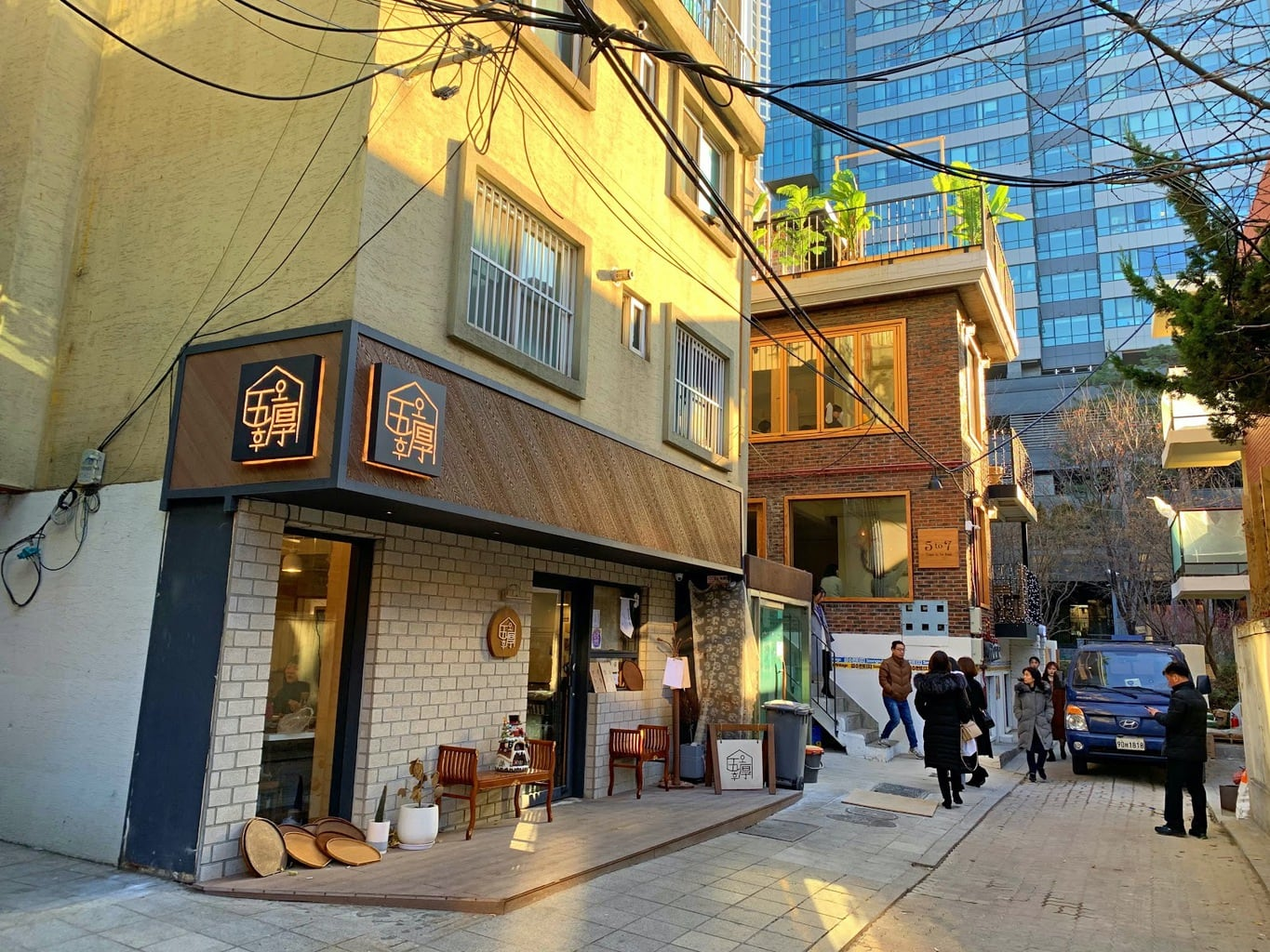 Trendy Atelier Road behind Seoul Forest