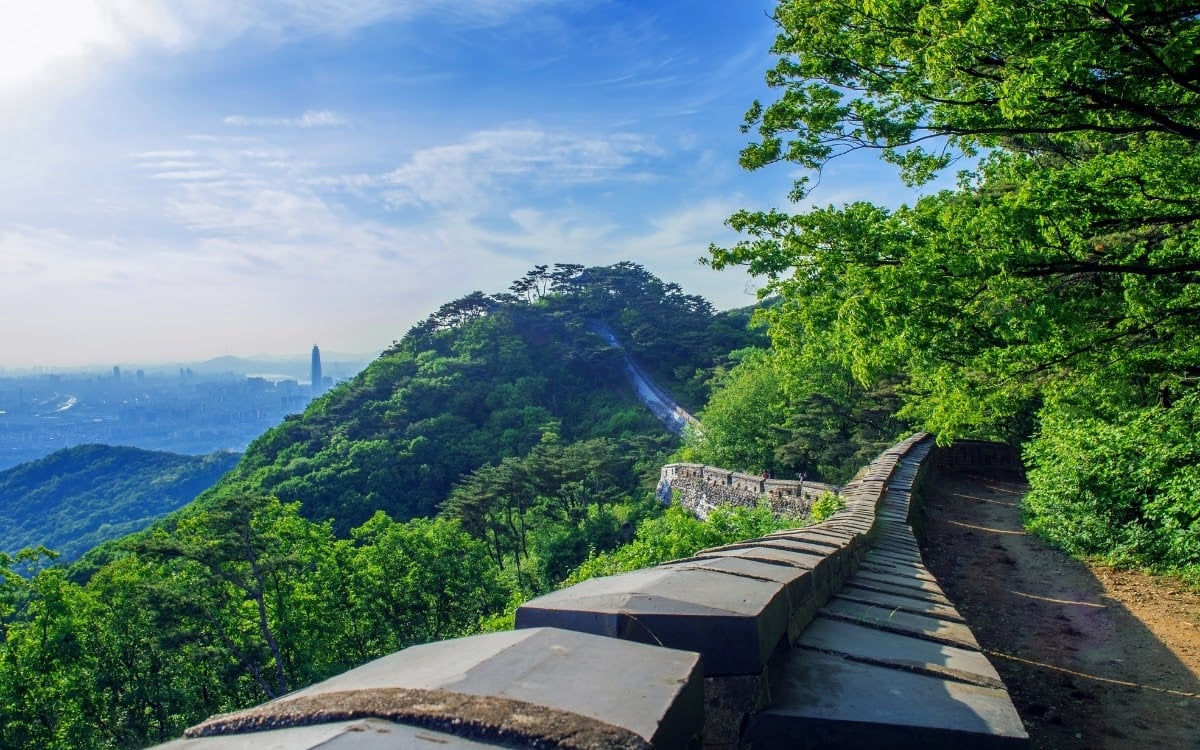 The beautiful hike along Namhansanseong fortress