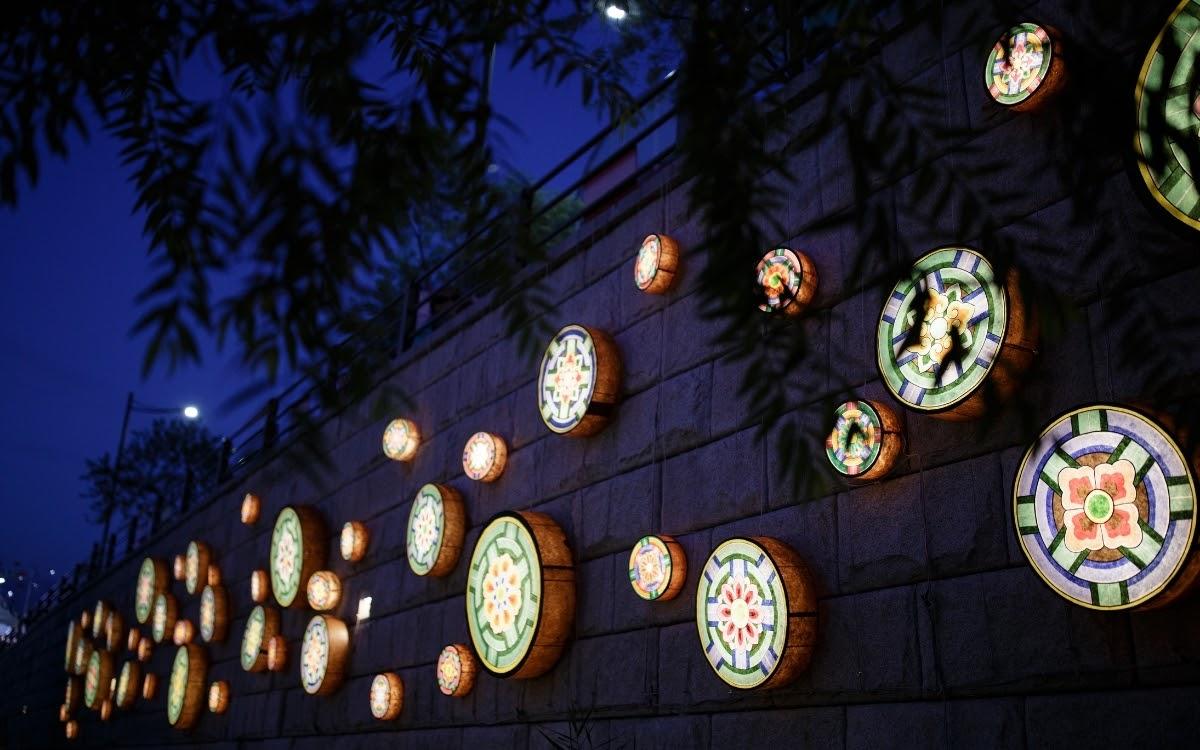 Lanterns along the Cheonggyecheon in Seoul