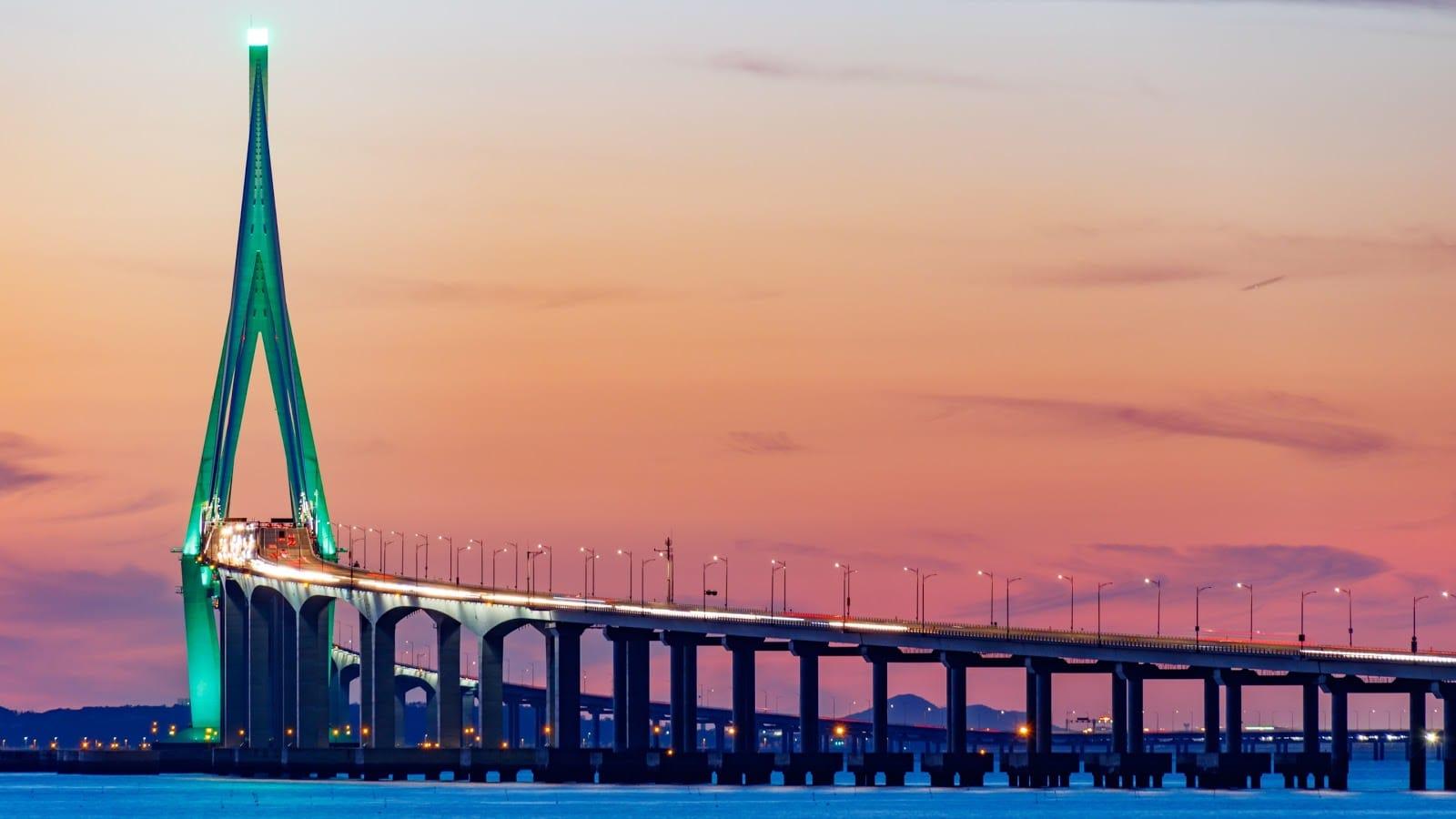 The bridge to Incheon Airport