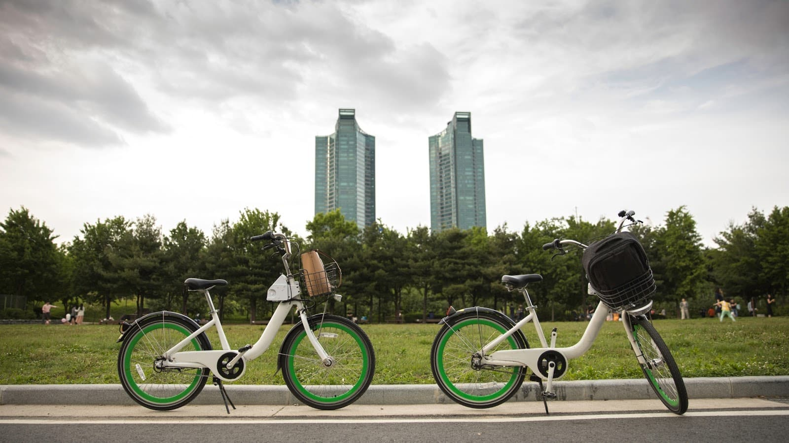 Cheap and easy-to-use public bikes in Seoul (Ddareungi)