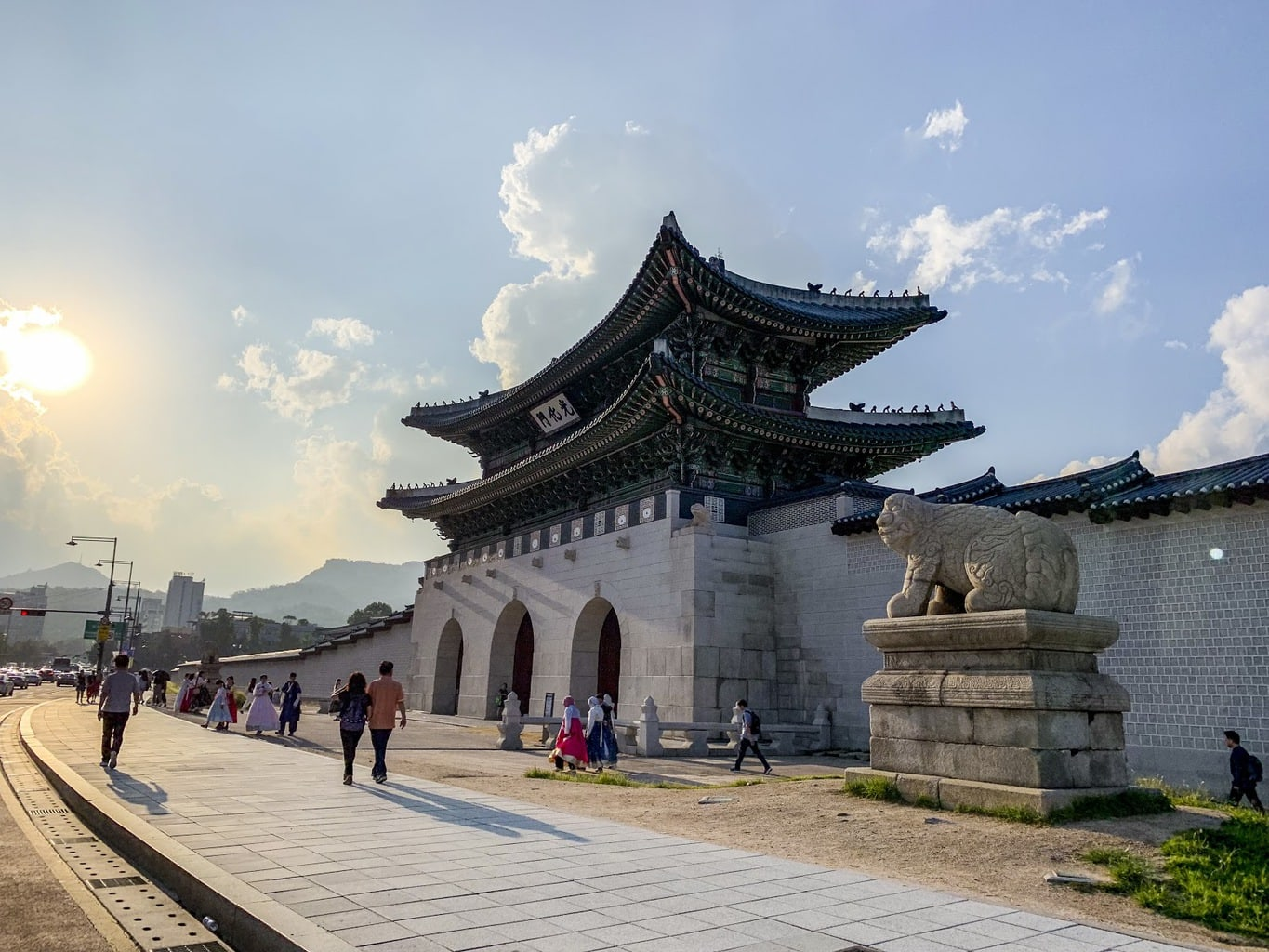Visit Seoul's palaces for free in Hanbok